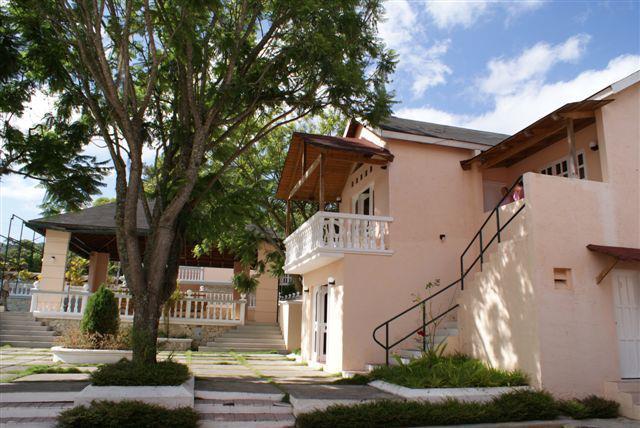Hotel Constanza Alquilo*